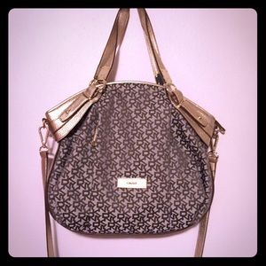 DKNY Handbag_excellent condition